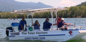 Cairns wildlife tours everything cairns for Fish tales charters